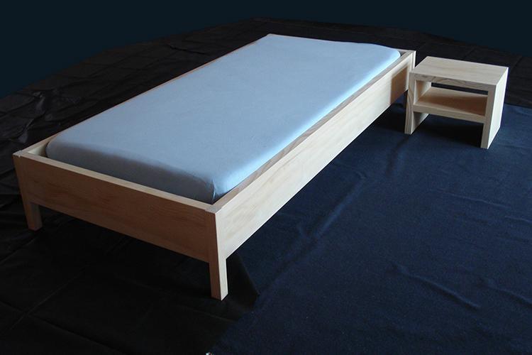 bett mit nachttisch preis auf anfrage werkheim neuschwende trogen. Black Bedroom Furniture Sets. Home Design Ideas